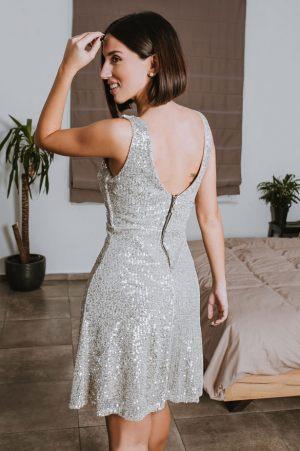 Ασημί φόρεμα με παγιέτες