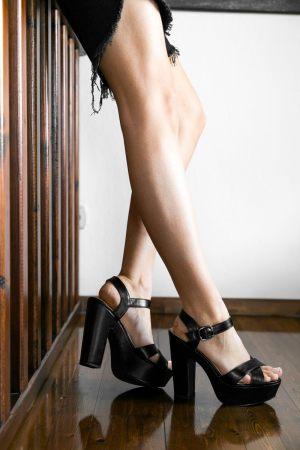 Γυναικεία πέδιλα με χοντρό τακούνι από τα Olympic Stores